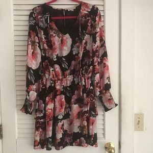 Black and floral long sleeve dress Size 8